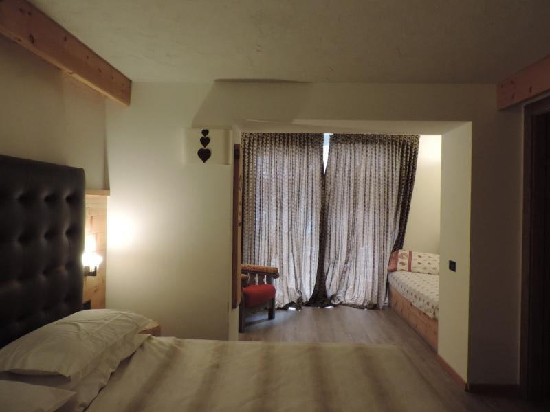 Hotel Scoiattolo Pampeago camera Rododendro relax 1