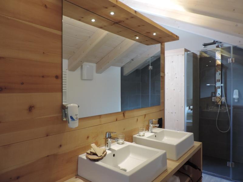 Hotel Scoiattolo Pampeago Stella Alpina Suite bagno