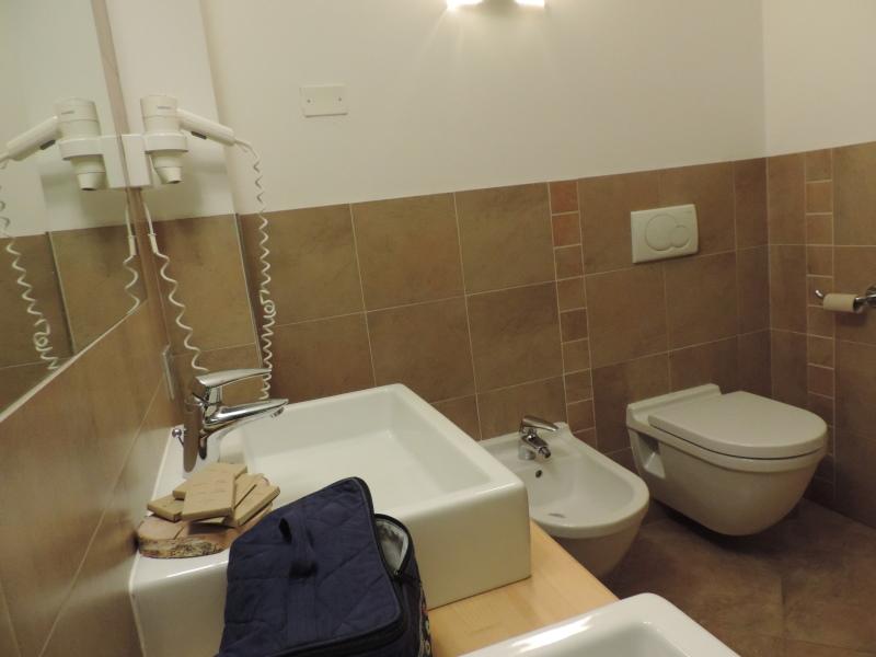 Hotel Scoiattolo Pampeago camera Genziana bagno